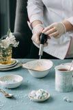 Brännande kräm som är brulee med kaffe arkivbild