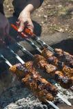 bränner till kol meat royaltyfri foto