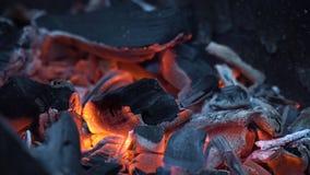 bränner till kol varm red arkivbilder
