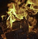 Brännhet eldsvåda arkivfoton