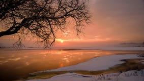 brännhet solnedgång Arkivbild