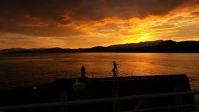Brännhet soluppgång i Korsika royaltyfria foton