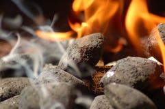 brännhett kol Arkivbilder