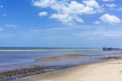 bränning för sommar för stenar för strandkustcyprus medelhavs- sand Fotografering för Bildbyråer