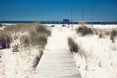 bränning för sommar för stenar för strandkustcyprus medelhavs- sand Royaltyfri Bild