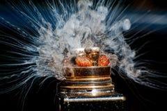Bränningen av den elektriska cigaretten Royaltyfri Bild