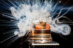 Bränningen av den elektriska cigaretten Royaltyfria Bilder