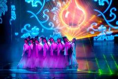 Brännugnkvinnlig--Den historiska magiska magin för stilsång- och dansdrama - Gan Po Royaltyfria Foton