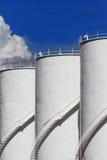 Bränslebehållare och blå sky Royaltyfria Foton