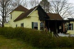 bränt hus fotografering för bildbyråer