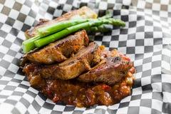 Bräserat och brynt griskött Royaltyfri Fotografi