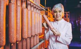 Brätfabrik-Produktionsarbeitskraft Lizenzfreies Stockbild