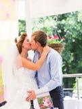 Bräutigam am Hochzeitsempfang stockfoto