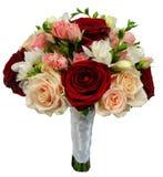 Bräutlicher rosafarbener Blumenstrauß auf ihren eigenen Stämmen stockfoto