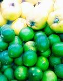 Bråtelimefrukt och kvitten royaltyfri bild