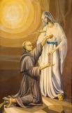 BRÍXIA, ITÁLIA: A pintura de Maximilian Kolbe santamente e Virgem Maria do Lourdes ilustração royalty free