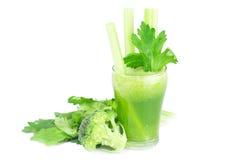 Brócolis, aipo e vidro com suco do aipo Fotografia de Stock Royalty Free