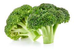Brócolis crus isolados imagem de stock