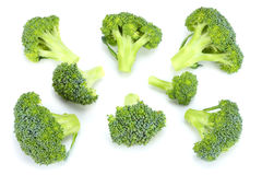Brócolis crus no fundo branco Fotografia de Stock