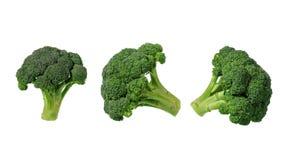 Brócolis isolados no fundo branco com trajeto de grampeamento Imagens de Stock