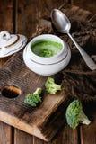 Brócolis triturados com aioli Fotos de Stock