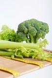 Bróculos com medida de fita Fotografia de Stock