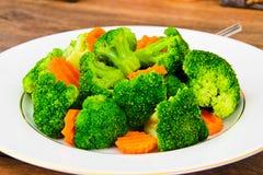 Bróculos e cenouras Nutrição da aptidão da dieta Foto de Stock