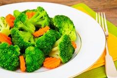 Bróculos e cenouras Nutrição da aptidão da dieta Imagem de Stock Royalty Free