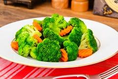 Bróculos e cenouras Nutrição da aptidão da dieta Foto de Stock Royalty Free