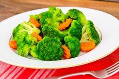Bróculos e cenouras Nutrição da aptidão da dieta Fotos de Stock Royalty Free