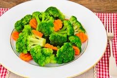 Bróculos e cenouras Nutrição da aptidão da dieta Fotografia de Stock Royalty Free