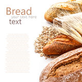Bröd från rye- och vetemjöl arkivfoton