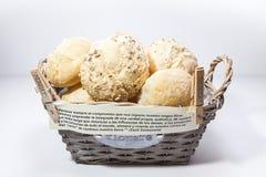 Bröd i en korg Fotografering för Bildbyråer