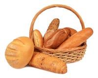 Bröd i en vide- korg Royaltyfria Foton