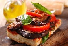 Bröd med aubergine Arkivfoto