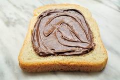 Bröd med chokladpralin Royaltyfri Foto