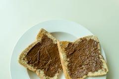 Bröd med chokladpralin Royaltyfria Bilder