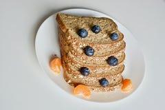 Bröd med frukter Royaltyfria Foton