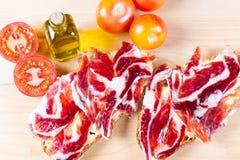 Bröd med tomaten och skinka Royaltyfri Bild