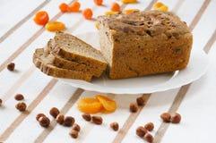 Bröd med torkade frukter Royaltyfri Bild