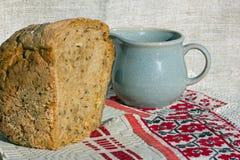 bröd mjölkar Royaltyfria Foton