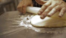 Bröd och pizza göras Royaltyfri Fotografi