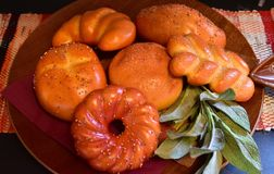 Bröd på plattan Royaltyfria Foton