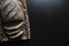 Bröd på tabellen Royaltyfri Bild