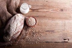 Bröd på tabellen ab Royaltyfria Bilder
