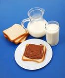 brödchoklad mjölkar arkivbilder