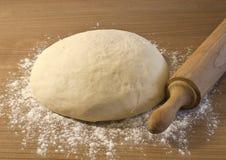 bröddegframställning Arkivfoton