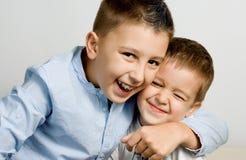 Bröders förälskelse Arkivfoton