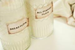 Brödmjöl, ingredienser för framställning ett blandat råg-vete av helt korn Royaltyfria Bilder