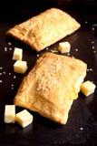Brödpuff med ost Arkivfoto